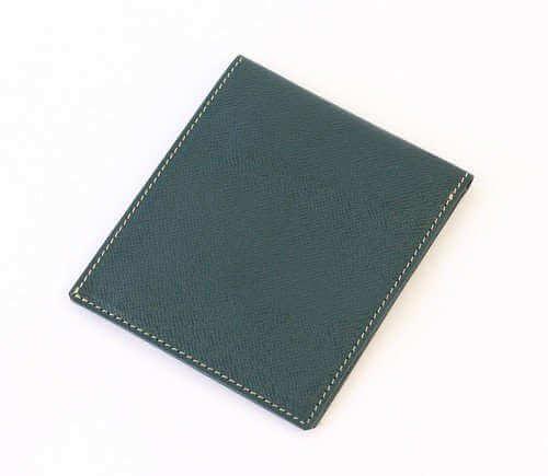 FRUH(フリュー) メンズ向けの薄い二つ折り財布