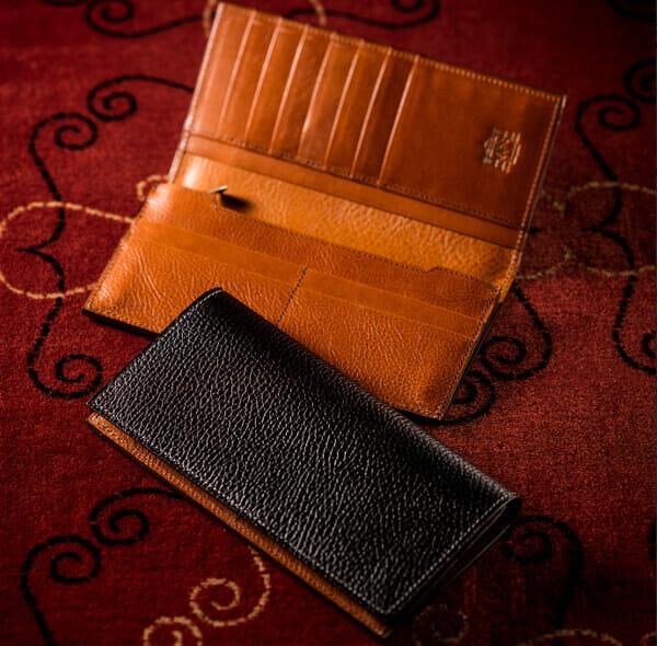 Cocomeisterのおすすめ財布: ロッソピエトラ V字マチ長財布