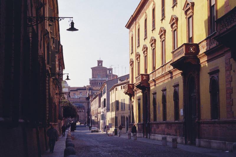 フェリージの原点、イタリア・フェラーラの街並み
