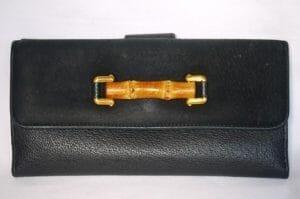 グッチのバンブーが装飾された財布