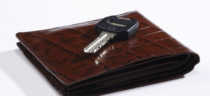 eb8d5a44dbaa メンズ二つ折り財布 本革ブランド(日本製/海外製)のおすすめ財布35選 ...
