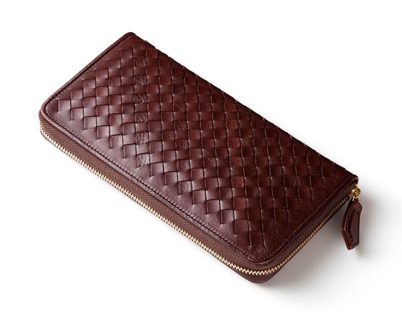 【マットーネ オーバーザウォレット】技術×最高級の皮革が織りなす編み込み財布