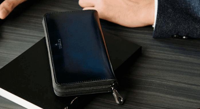 YUHAKUのコードバン財布