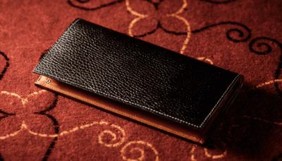上品かつ芸術的な味わい「ロッソピエトラ」人気財布と口コミ・評判(ココマイスター)
