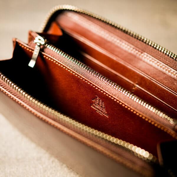 プルキャラックシリーズ クラウディオ長財布の詳細