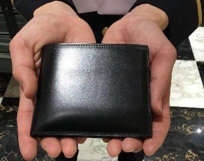ココマイスタースタッフ愛用の財布紹介「ジョージブライドル・バイアリーパース(ブラック)」※写真あり