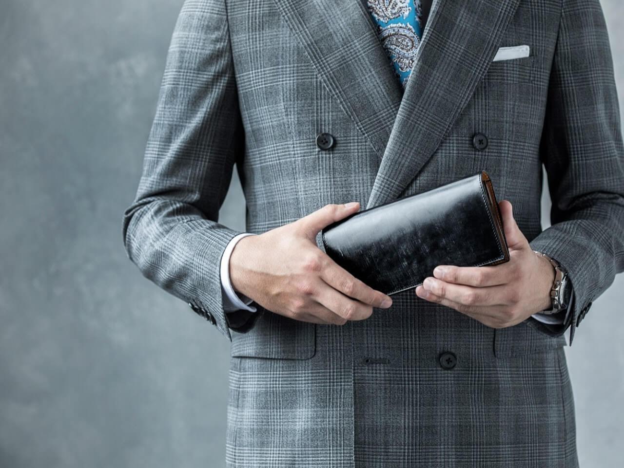 ビジネスで活躍!スーツに似合うメンズ財布おすすめブランド9選と選び方