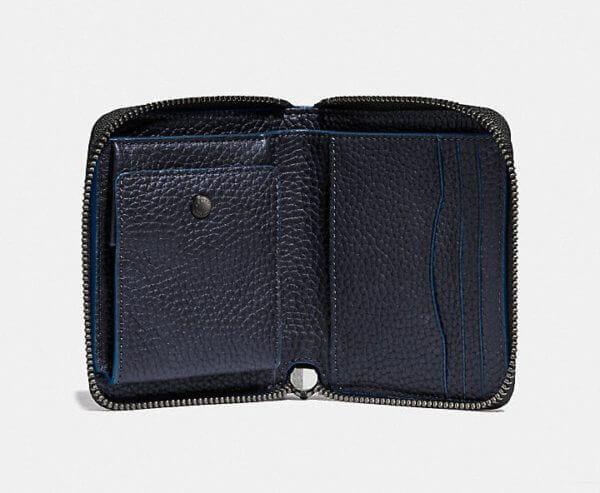 コーチでおすすめのファスナー付き二つ折り財布:ジップ アラウンド コイン ウォレット