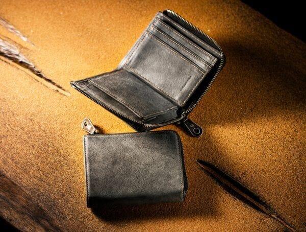 ココマイスターでおすすめのファスナー付き二つ折り財布:カルドミラージュ・コンパクトウォレット