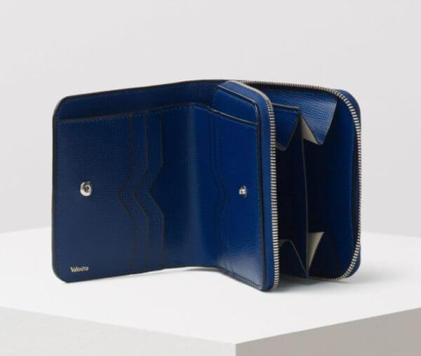 ヴァレクストラでおすすめのファスナー付き二つ折り財布:パース 商品コード: V8L38-044-00RO-RL