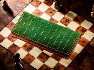 芸術と上品さ!「チェスボードシリーズ」人気財布と口コミ・評判(ココマイスター)