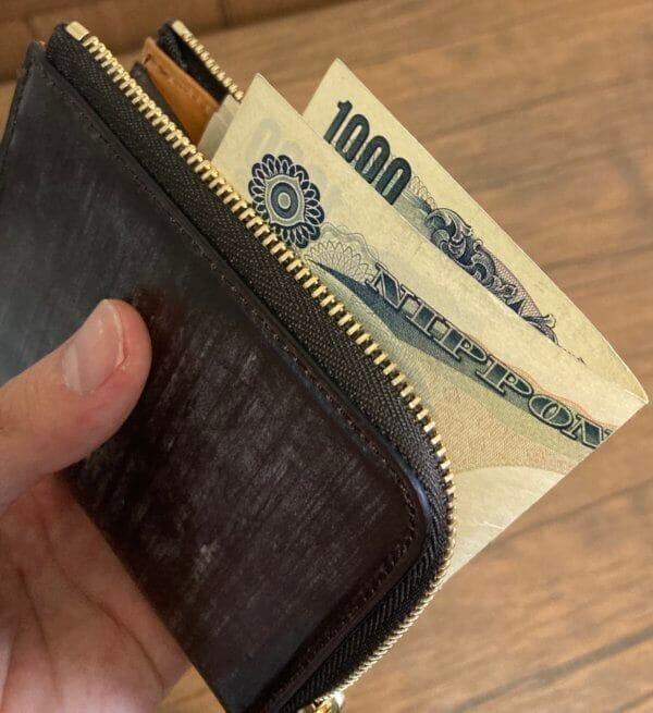 実際に中身を入れてみた|crafsto(クラフスト)のブライドルレザーL字ファスナー財布レビュー
