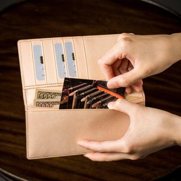 COCOMEISTERでおすすめの札入れ「長財布タイプ」:ヨコハマ長財布札入れ